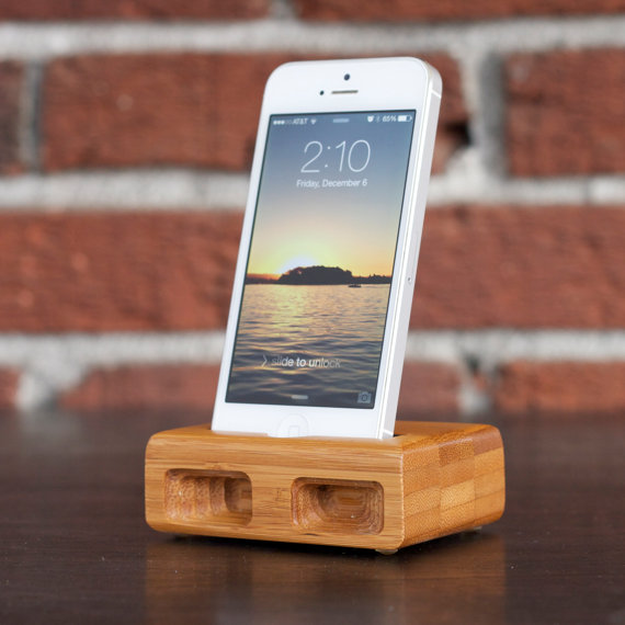 Men's Handmade iPhone 5 Dock
